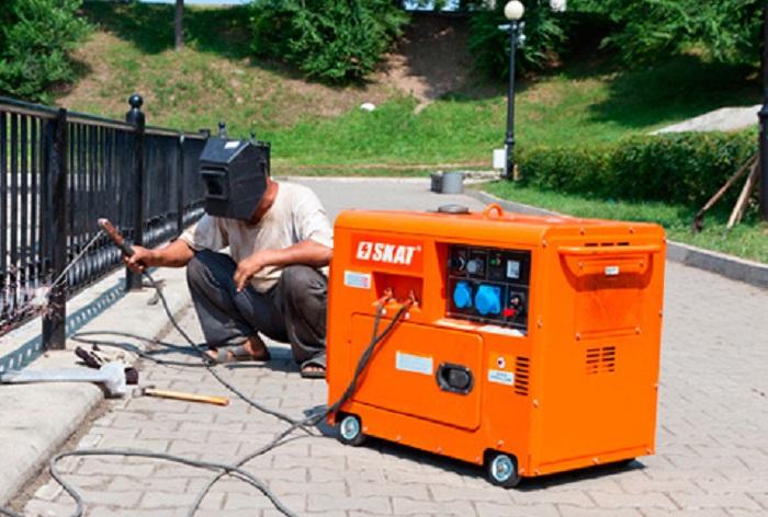 гудит сварочный генератор