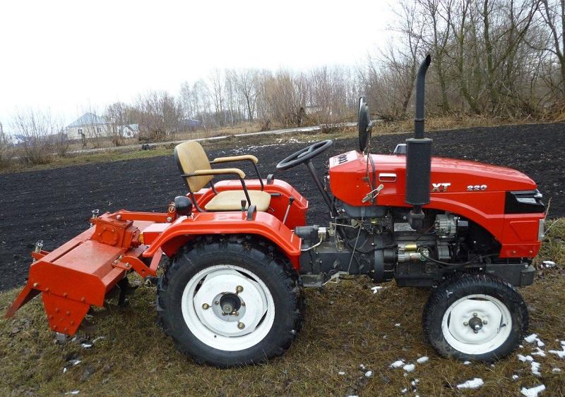 ремонтировать трактор